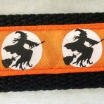 1MC316 Flying Witches Against the Moon Halloween Martingale Collar