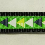 5MC253 Black and White Triangles Martingale Colalr